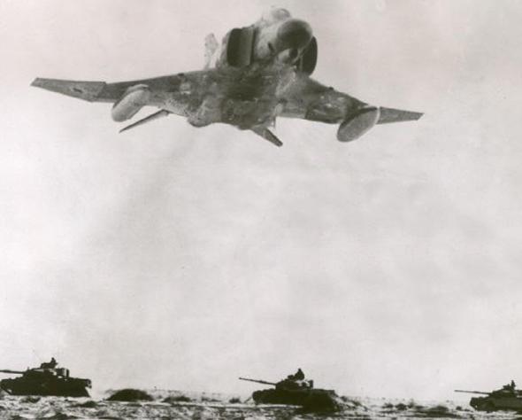 פאנטום ישראלי בטיסה נמוכה