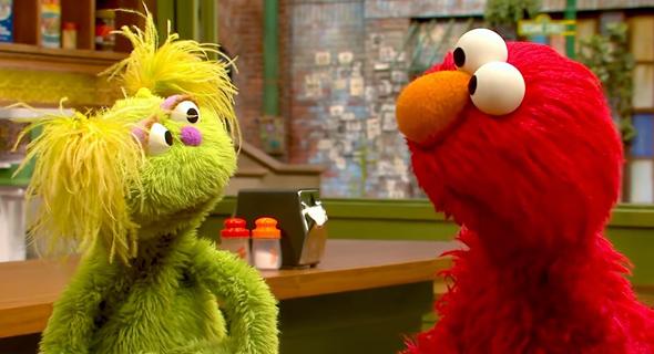קרלי משמאל, צילום: Sesame Street