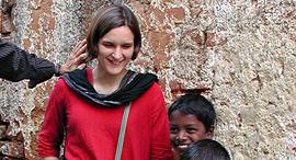 אסתר דופלו בהודו
