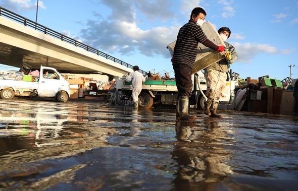 נזקי טייפון האגיביז ביפן, צילום: איי אף פי