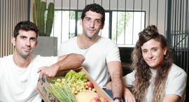 """מימין: המייסדים מאי שוחט, אסף חכמון ומיכאל אוסדון. """"המחירים באתר לא יקרים, בהתחשב בזה שאין דמי משלוח, צילום: אוראל כהן"""