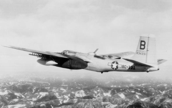 מטוס B26 חמוש ברקטות