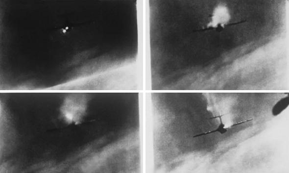 תמונות מצלמת ירי של מטוס סייבר, שמתעדות הפלת מיג 15