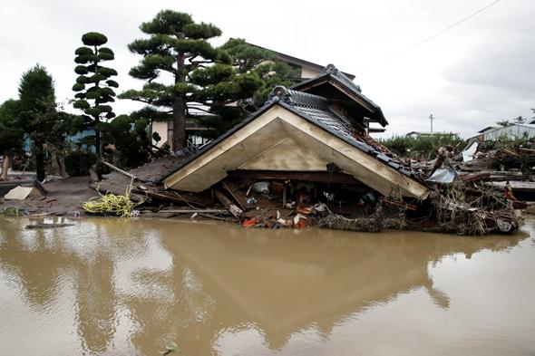 נזקי סופת הטייפון שהיכתה ביפן במהלך החודש, צילום: אי.פי