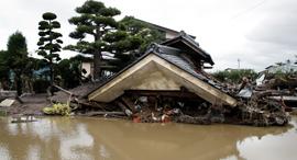 נזקי טייפון ביפן, צילום: אי.פי