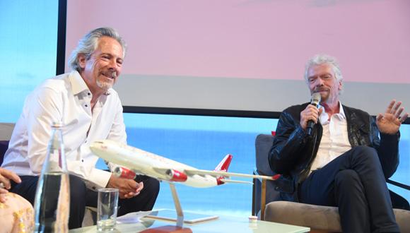 ריצ'רד ברנסון בעלי וירג'ין בשיחה עם לאון קופלר בעלי סופר פארם, צילום: יאיר שגיא