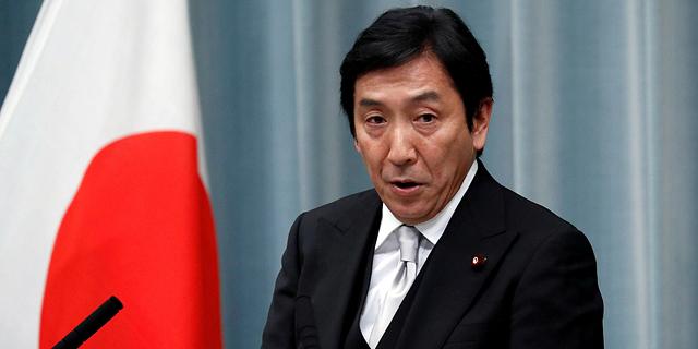 לאחר חודש בלבד: מדוע התפטר שר המסחר היפני?