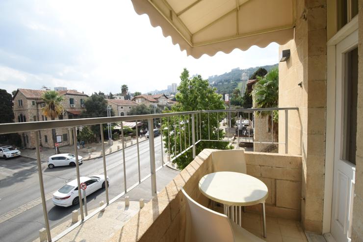 נוף מהמרפסת של מלון קולוני כיום