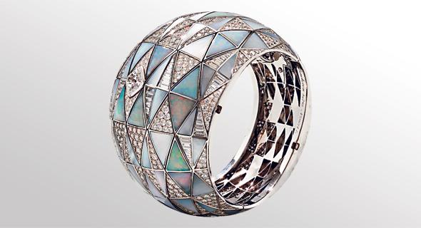 טבעת בושרון, מתוך קטלוג חג המולד של נימן מרקוס, צילום: Neiman Marcus