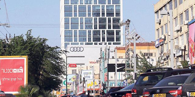 מתרחבת: eToro תשכור קומה נוספת במגדל צ'מפיונס