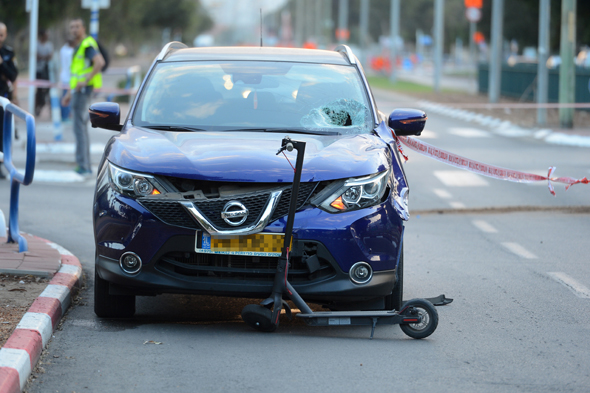 זירת תאונת דרכים באשדוד שבה נהרג  ניסים יונתנוב בן 15