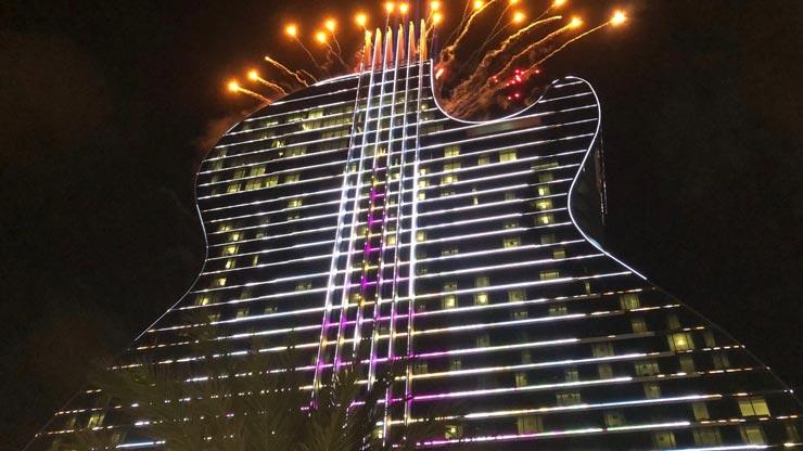 מלון גיטרה וקזינו הארד רוק קפה בפלורידה, בלילה, צילום: רויטרס