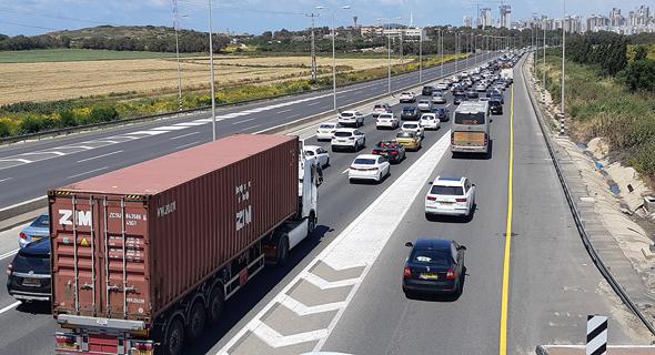 """""""זה שאין פה השקעה בתשתיות זה בכייה לדורות. רוב עם ישראל מבלה 3 שעות ביום על הכביש. זה נורמלי?"""", צילום: אלי דסה"""