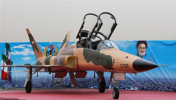 מטוס הסיקח (Seaqeh), אחד הדגמים שהשביחה איראן. F5, זה אתה?