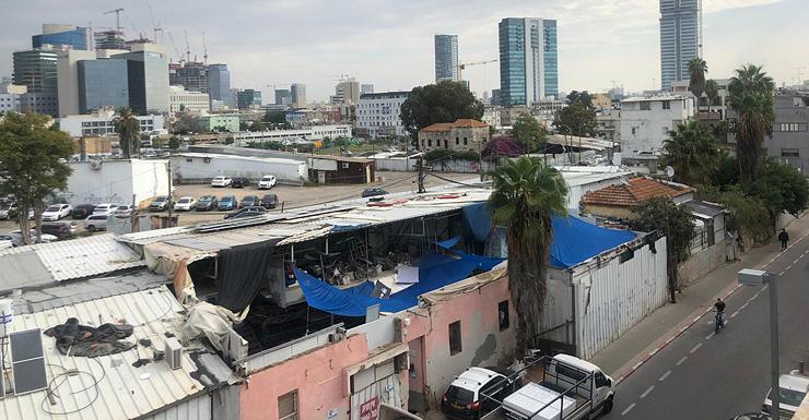 בית רוק מכיוון הגדוד העברי ושביל עכו. המקום הכי נמוך בתל אביב