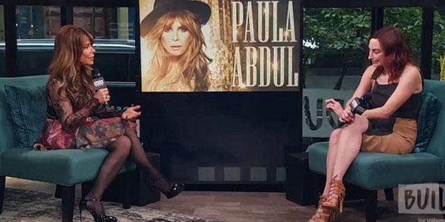 הזמרת פאולה עבדול (משמאל) המשמשת פרזנטורית של אינמוד, בראיון על המותג, צילום: YouTube