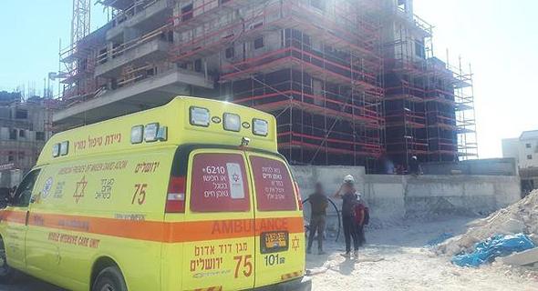 אתר הבנייה בבית שמש, צילום: שמעון בוחבוט, דוברות מד״א