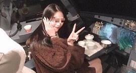סטודנטית בתא טייס Air Guilin, צילום: Sina weibo
