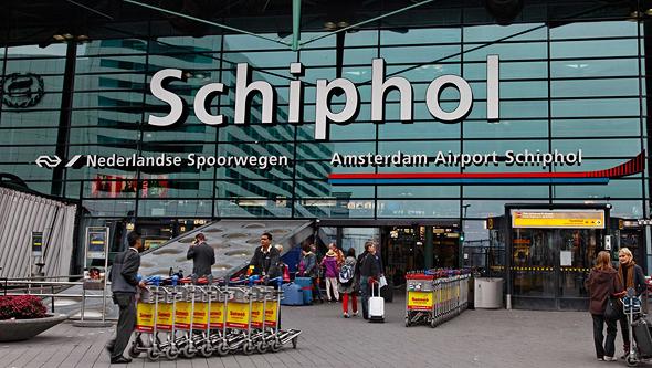 במקום 9. שדה התעופה סכיפהול, אמסטרדם הולנד