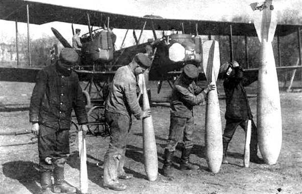 פצצות במלחמת העולם הראשונה. הדיוק היה איום ונורא