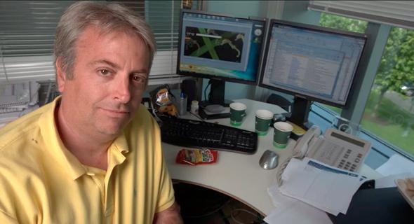 בריאן מקדונלד, ממציא Microsoft Outlook בעבודה