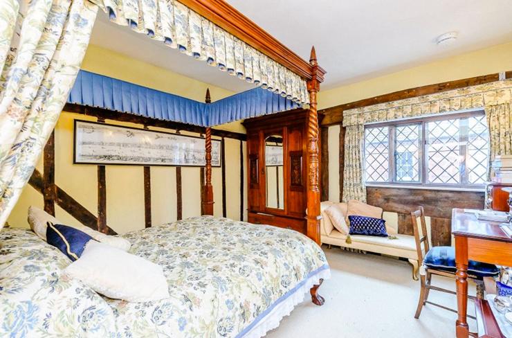 חשר להשכרה ובו מיטת אפריון, צילום: Airbnb