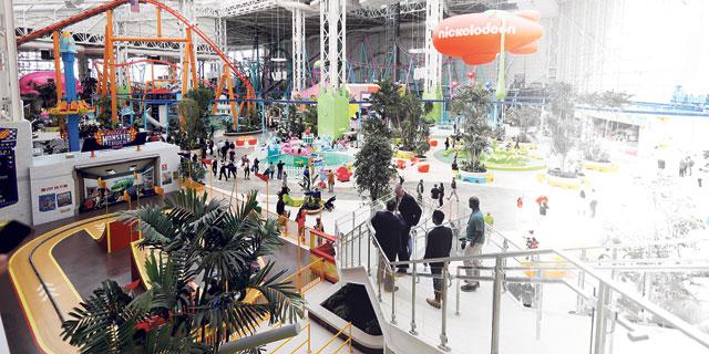 """יש תקווה לקניונים בארה""""ב: דור ה־Z מעדיף לקנות בחנויות פיזיות"""