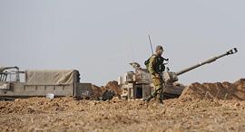 """פריסת כוחות צה""""ל בעוטף עזה, צילום: אבי רוקח"""