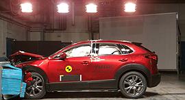 מבחן ריסוק רכב מאזדה CX 30