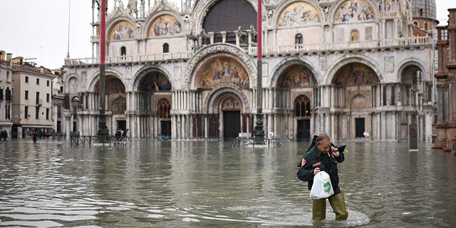 """ונציה מוצפת: """"תוצאה ישירה של שינויי האקלים"""""""
