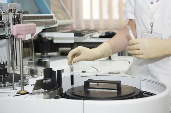 Laboratory trials. Photo: Pixabay
