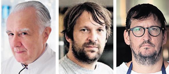 """מימין: השפים אסף דוקטור, רנה רדזפי ואלן דוקאס. """"כל אחד 'הגריל' מתכון של שף אחר"""", צילום: טל שחר, איי אף פי"""