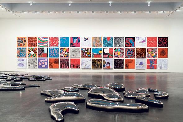 יצירות מהתערוכה החדשה של יאיוי קוסאמה, צילום: Kerry McFate