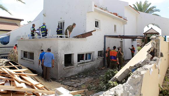 """בית ב דרום ש נפגע מ רקטה זירת הנדל""""ן, צילום: אוראל כהן"""