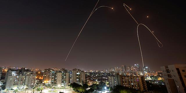 ליל אזעקות בדרום, חיל האוויר תקף בעזה