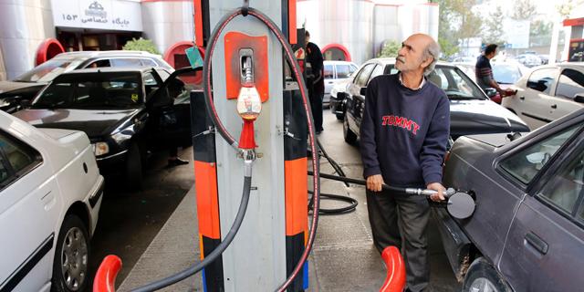 מחאות ברחבי איראן בעקבות הקצבת הדלק והעלאת מחיריו
