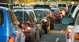 פקק תנועה מכוניות דן אנד ברדסטריט, קרדיט: : canva