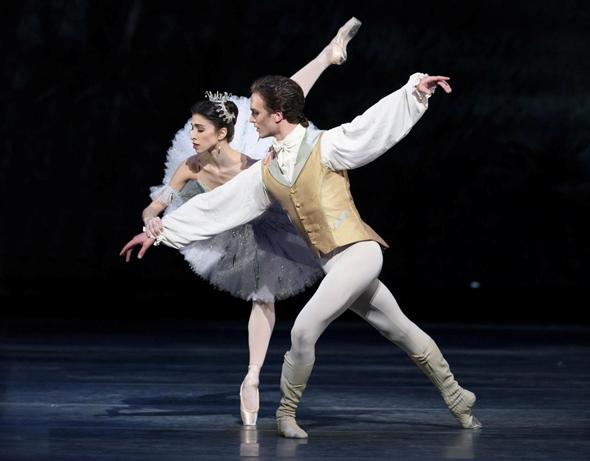 """""""היפהפייה הנרדמת"""". עוצר נשימה, צילום: THE royal ballet"""
