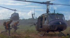 חיילים עולים למסוק יואי, צילום: U.S. Army