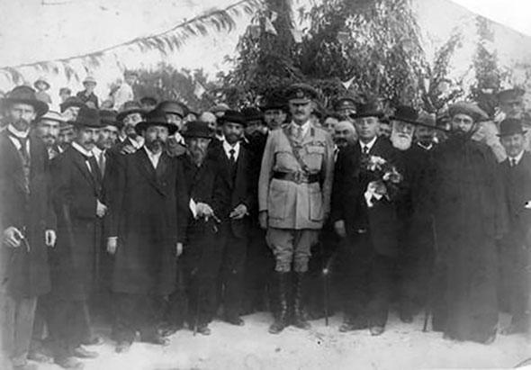 הגנרל אלנבי מבקר בתל אביב. 1918