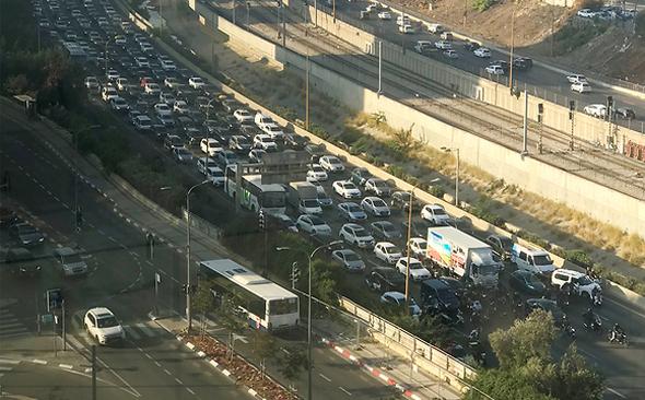 Traffic congestion, Tel Aviv. Photo: Elad Peleg