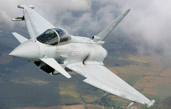 ראשון אבירי המלכה. טייפון של חיל האוויר הבריטי