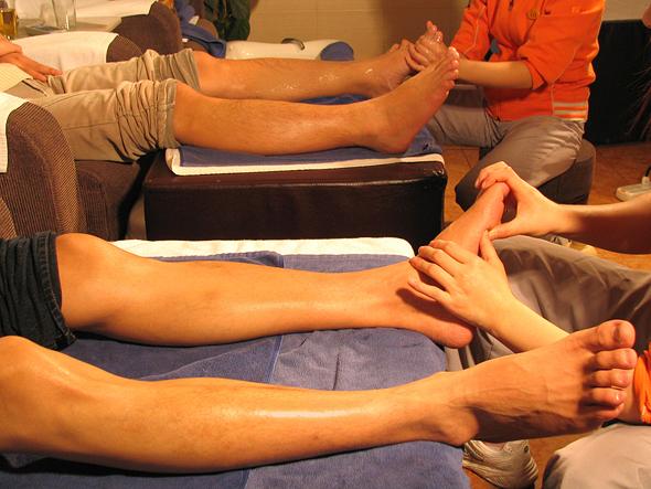 Foot Massage בסין זו דרך להראות כבוד לאורחים