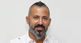 יורם אביסרור דן אנד ברדסטריט
