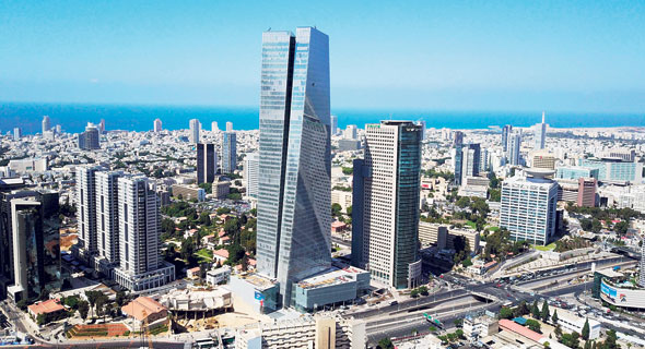 Azrieli Sarona Tower, Tel Aviv. Photo: Yair Sagi