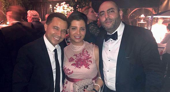 אלול (משמאל) עם הדירקטור טארק מאלק ורעייתו - בתו של השופט בדימוס סלים ג