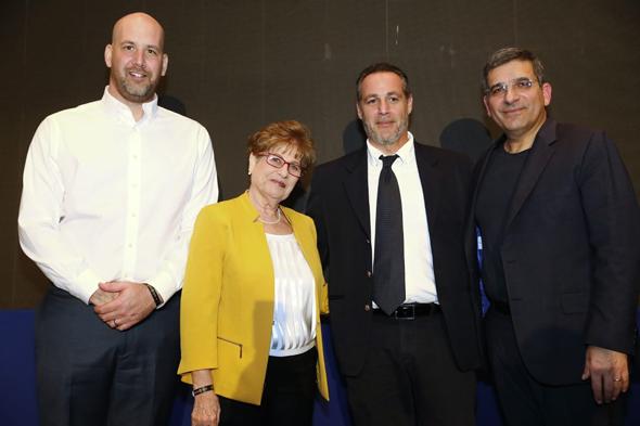 מימין: יעקב אטרקצ'י, אריאל שרייבר, נחמה דורי ואסף סימון