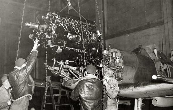 """מנוע המרלין של רולס רויס, שיוצר בארה""""ב תחת השם פקארד"""
