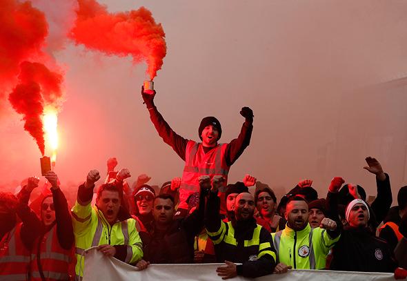 מפגינים בצרפת, צילום: אי פי איי