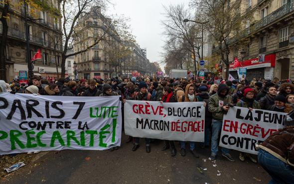 הפגנות בפריז, היום